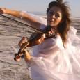 J'ai découvert avec émerveillement cette artiste hors norme. C'est une violoniste qui danse avec son instrument dans un dynamisme stimulant. Sa musique au tonalité celtique mais aussi électrique parfois, […]