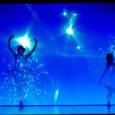 Une danse qui appelle à la rêverie et aux rêves… Pour le plaisir de l'oeil et l'inspiration onirique, voici une chorégraphie de toute beauté, illuminée par une musique et des […]